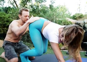 Breathtaking blonde beauty gets nailed by her boyfriend outdoors