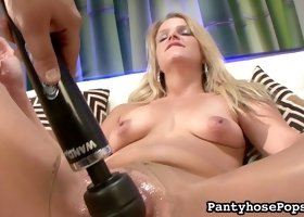 Amazing blonde in staggering solo