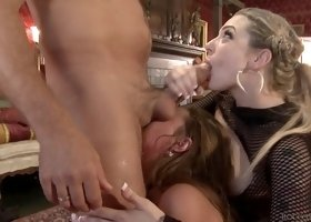 Group sex with Kelly Stafford and Dahlia Sky will blow you away
