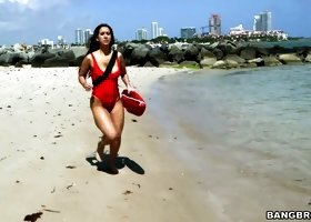 Baywatch Valerie Kay saves BBC and gives him blowjob instead of anapnotherapy