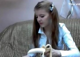 Russian webcam girl Merysimpson eats banana