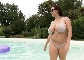 Busty Anais Hills and her friend like to please each other by the pool