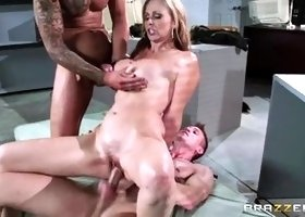 Large boobs porn video featuring Julia Ann